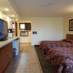 2 Bedroom Motel Unit - 4 Queens/2 Bath - Unit #31